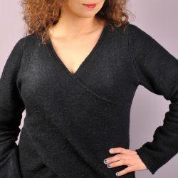 Sweter z bolerkiem. Model 0716