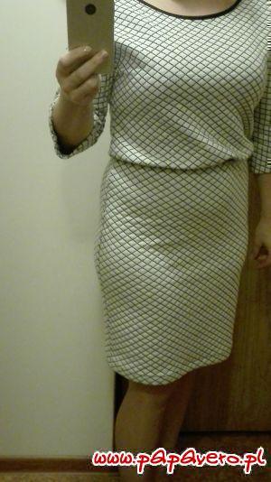 Sukienka z kieszeniami. Model 0656
